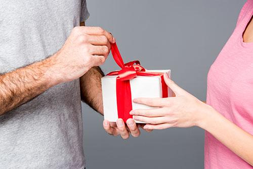 fødselsdag gaver til nogen din dating